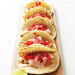Tacos di farina e gamberi en Ceviche