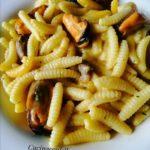 Is Malloreddus con cozze e crema di peperoni